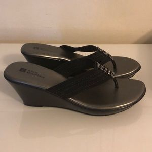 White Mountain Shoes - Women's Wedge Sandals